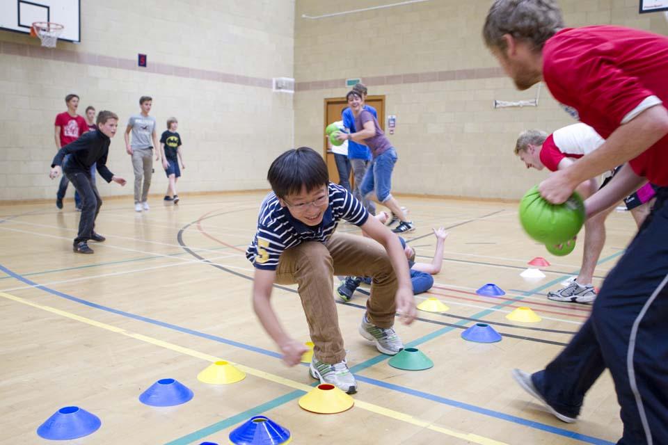 Развлекательные мероприятия в Bell Group, The Leys School (Cambridge)