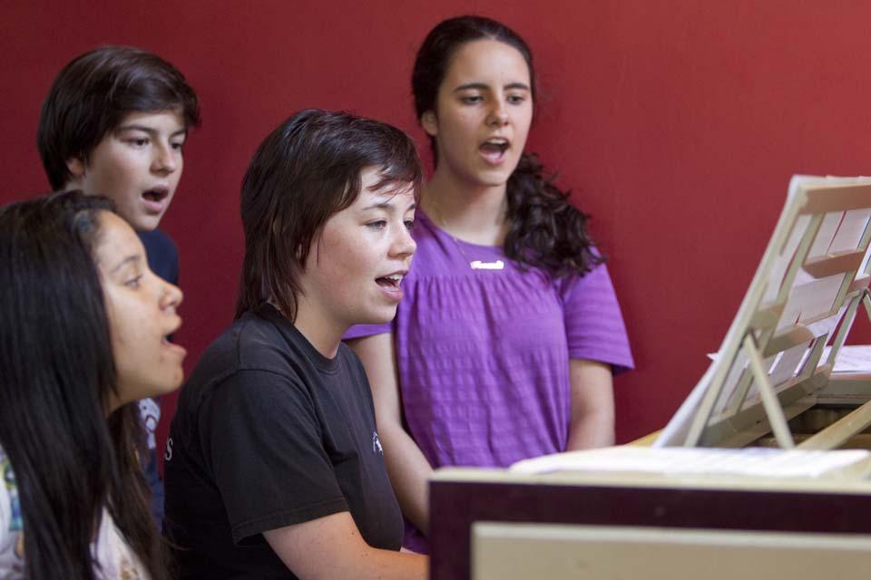 Занятия по музыке и пению в Bell Group, Wellington College