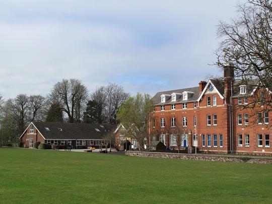 Здание школы Cheltenham College