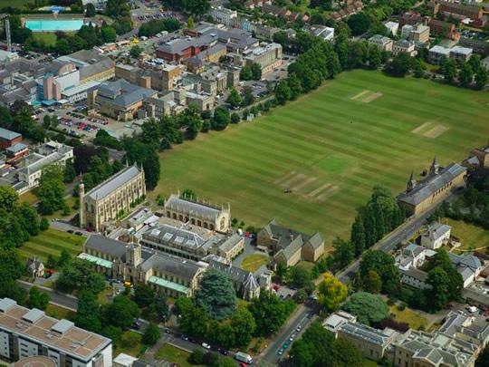 Вид на Cheltenham College