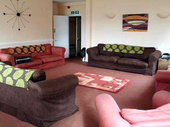 Общая комната в резиденции, где проживают дети младшего возраста