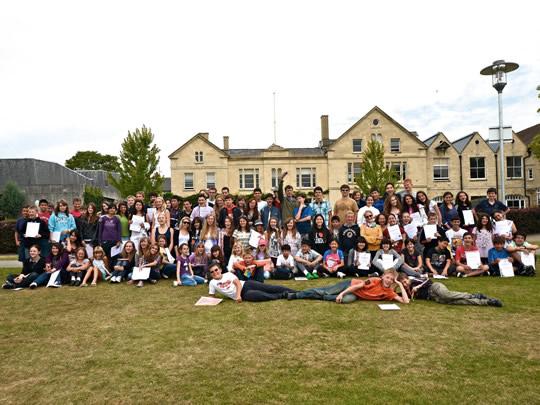 Студенты школы Wycliffe College