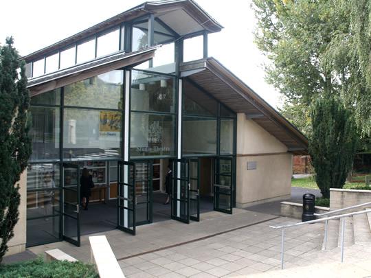 Школьный театр в British Study Centres, Wycliffe College