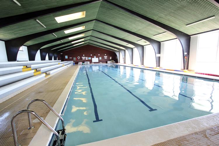 Плавательный бассейн школы Embassy Academy Roedean