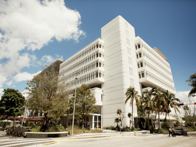 EC, Miami