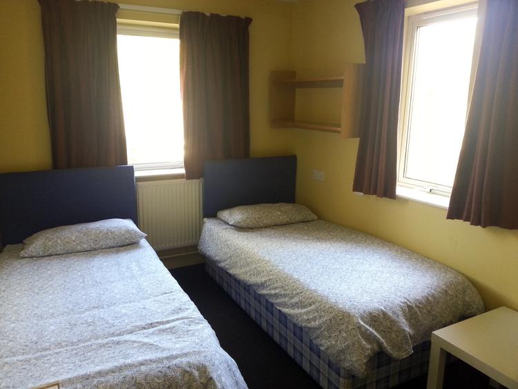 Типичная комната студента при Embassy Summer Chichester