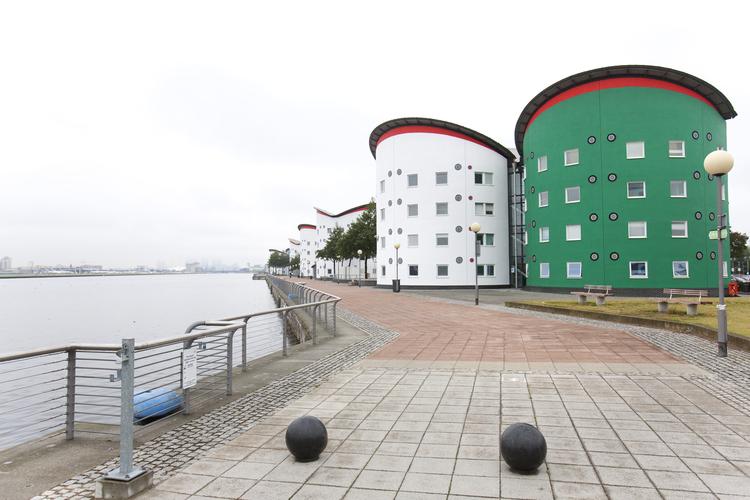 Резиденция, в которой живут студенты Embassy Summer, London Docklands