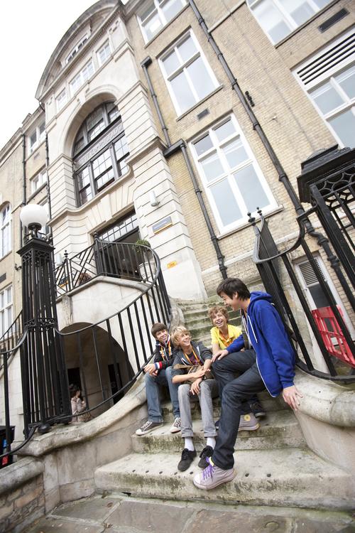 Здание школы Embassy Summer Schools, London – UCL