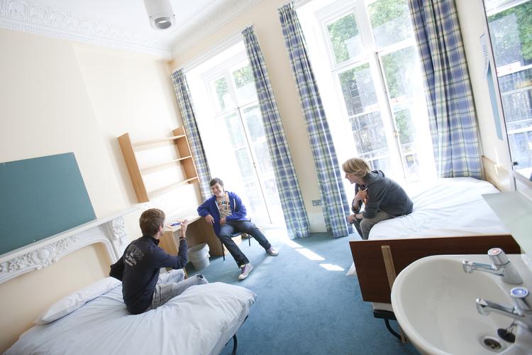 Комната студента в Embassy Summer Schools, London – UCL