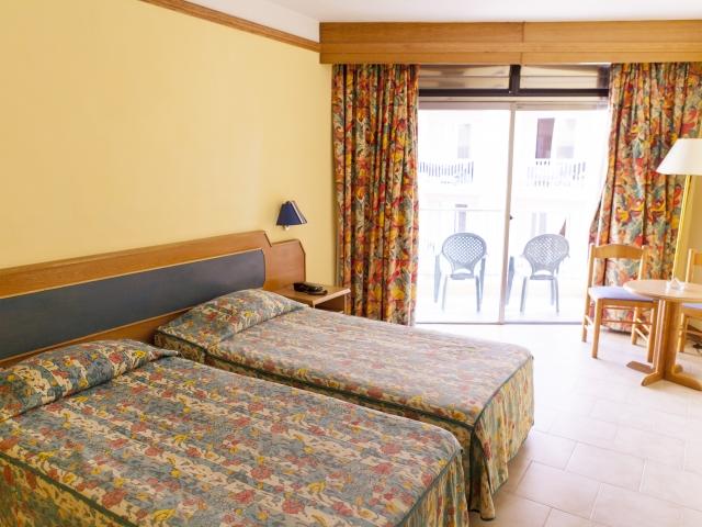 Размещение в Suncrest Hotel, EC Malta