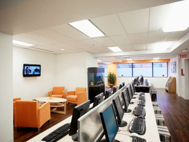 Компьютерный зал в EC, Vancouver