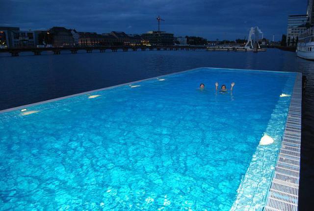 Бассейн, в котором можно поплавать после занятий