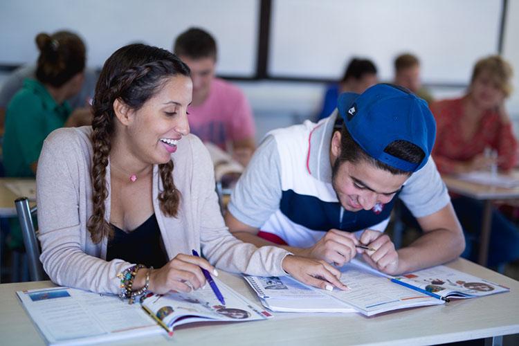 Студенты English In Cyprus на занятии