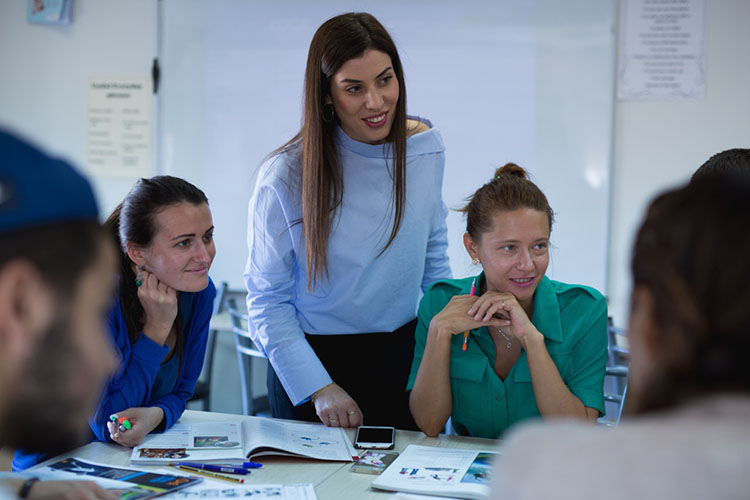 На занятии с преподавателем в English In Cyprus
