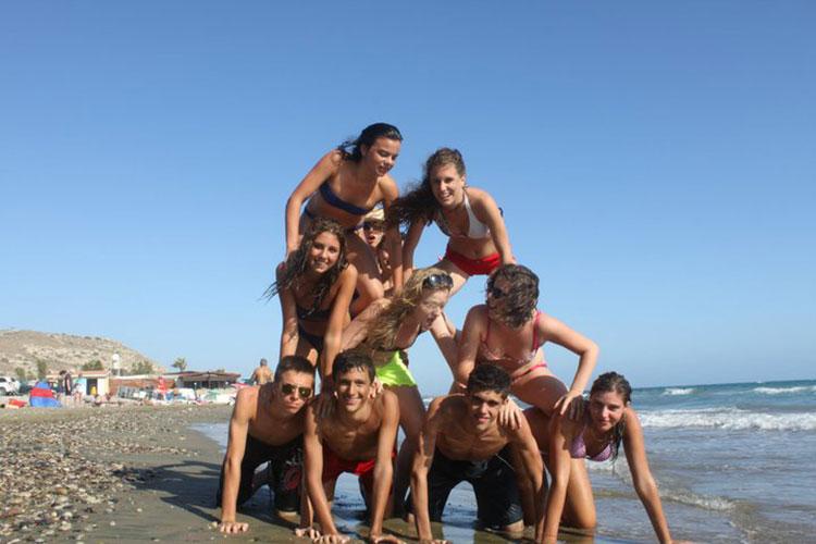 Студенты English in Cyprus на пляже