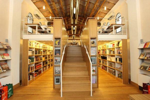 Библиотека в  John Cabot University