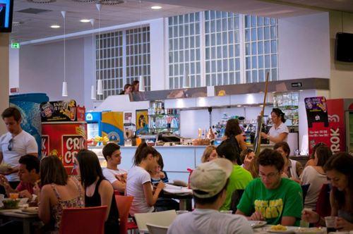 Кафетерий, John Cabot University