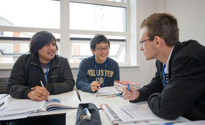 Студенты во время обучения в Embassy English, London Greenwich