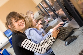 Компьютерный класс, Embassy Summer Schools, Reigate