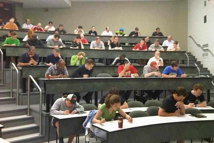 Экзамены в Algonquin College