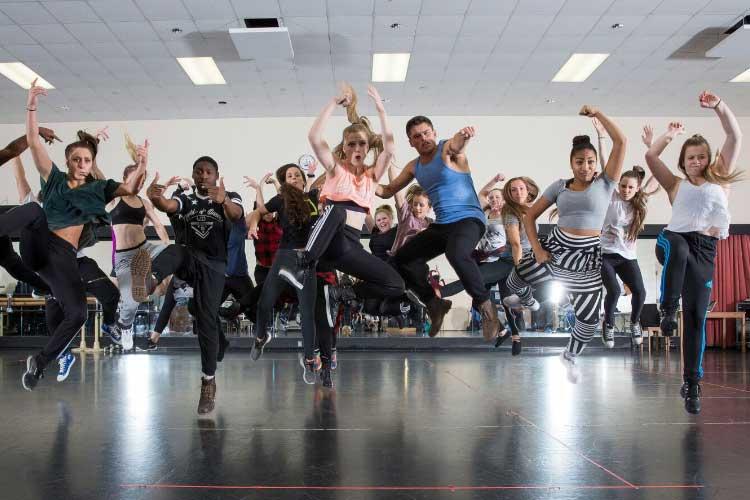 Уроки хореографии в Centennial College