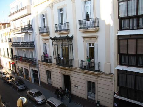 Здание школы Enfocamp, Sevilla