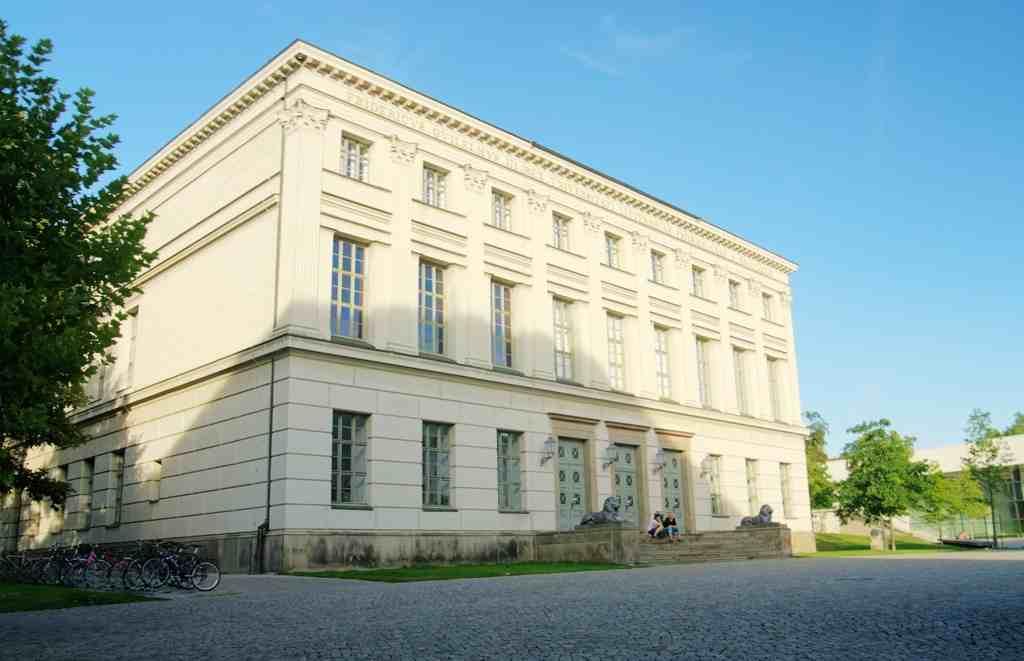 Библиотека Martin Luther Universität Halle Wittenberg