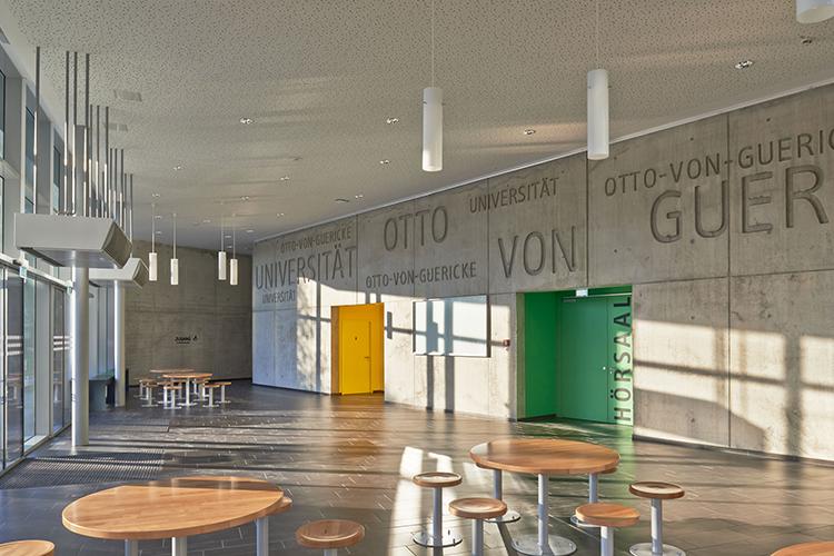 Холл Otto-von-Guericke University