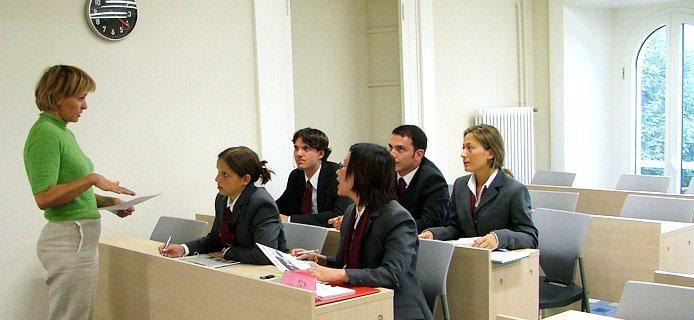 На занятиях Swiss Hotel Management School