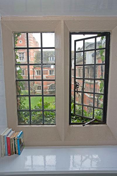 Вид из комнаты в студенческой резиденции при Bell Group, St Albans