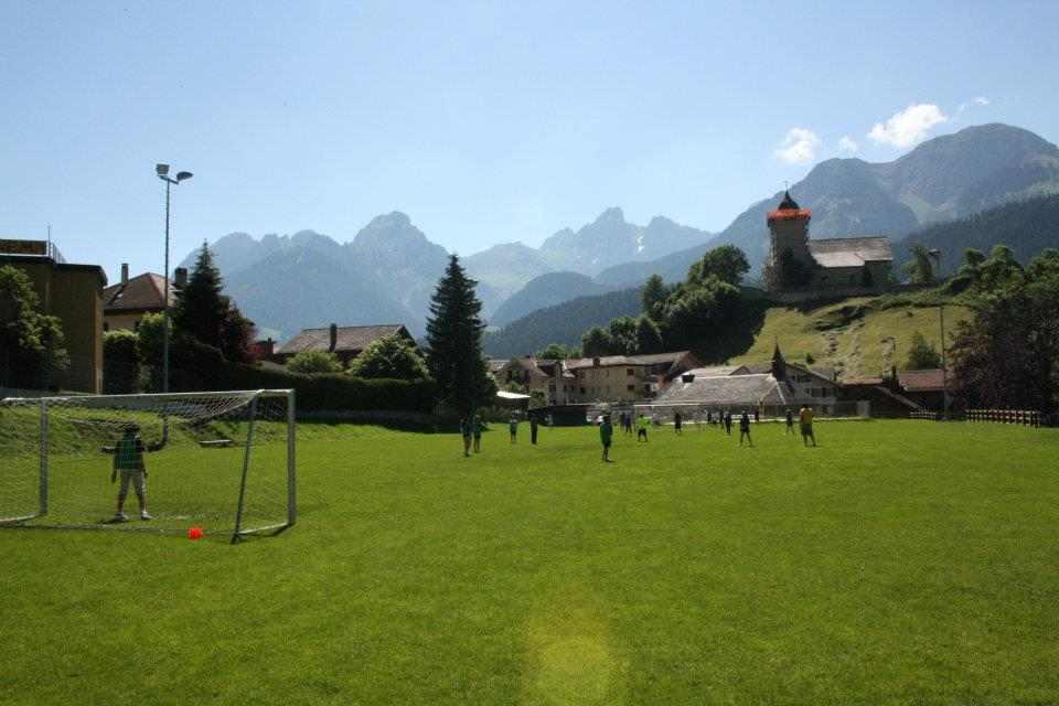 Поле для спортивных игр Haut-Lac