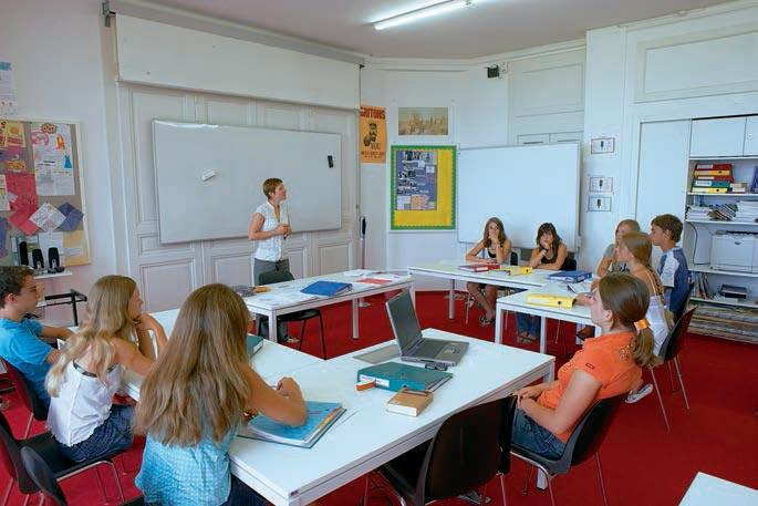 Во время уроков Brillantmont, Lausanne