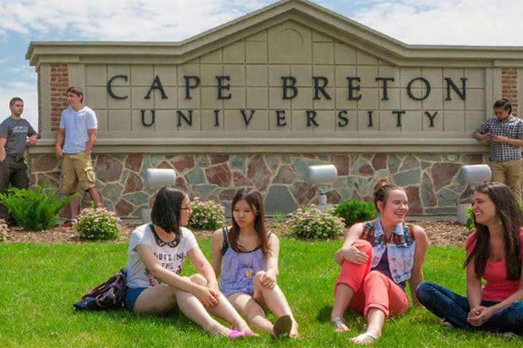Студенты Cape Breton University