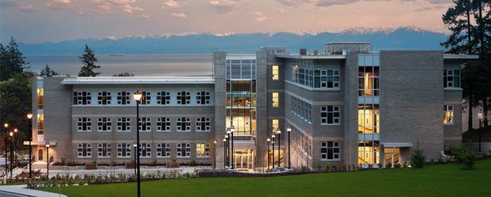 Инновационный учебный центр Royal Roads University