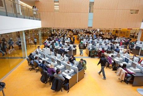 Компьютерный холл Seneca College