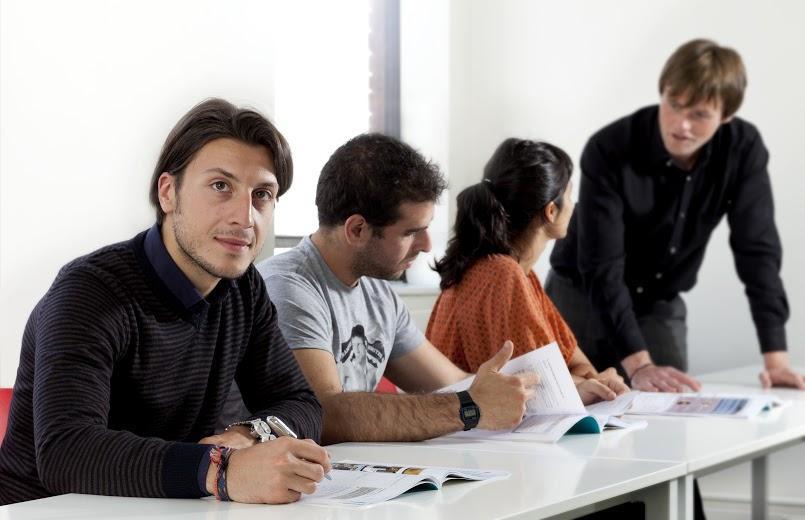 Студенты во время урока ATC, Dublin