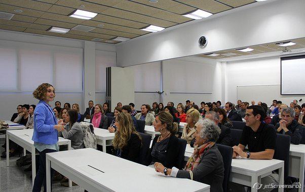 Студенты во время обучения, Университет Деусто