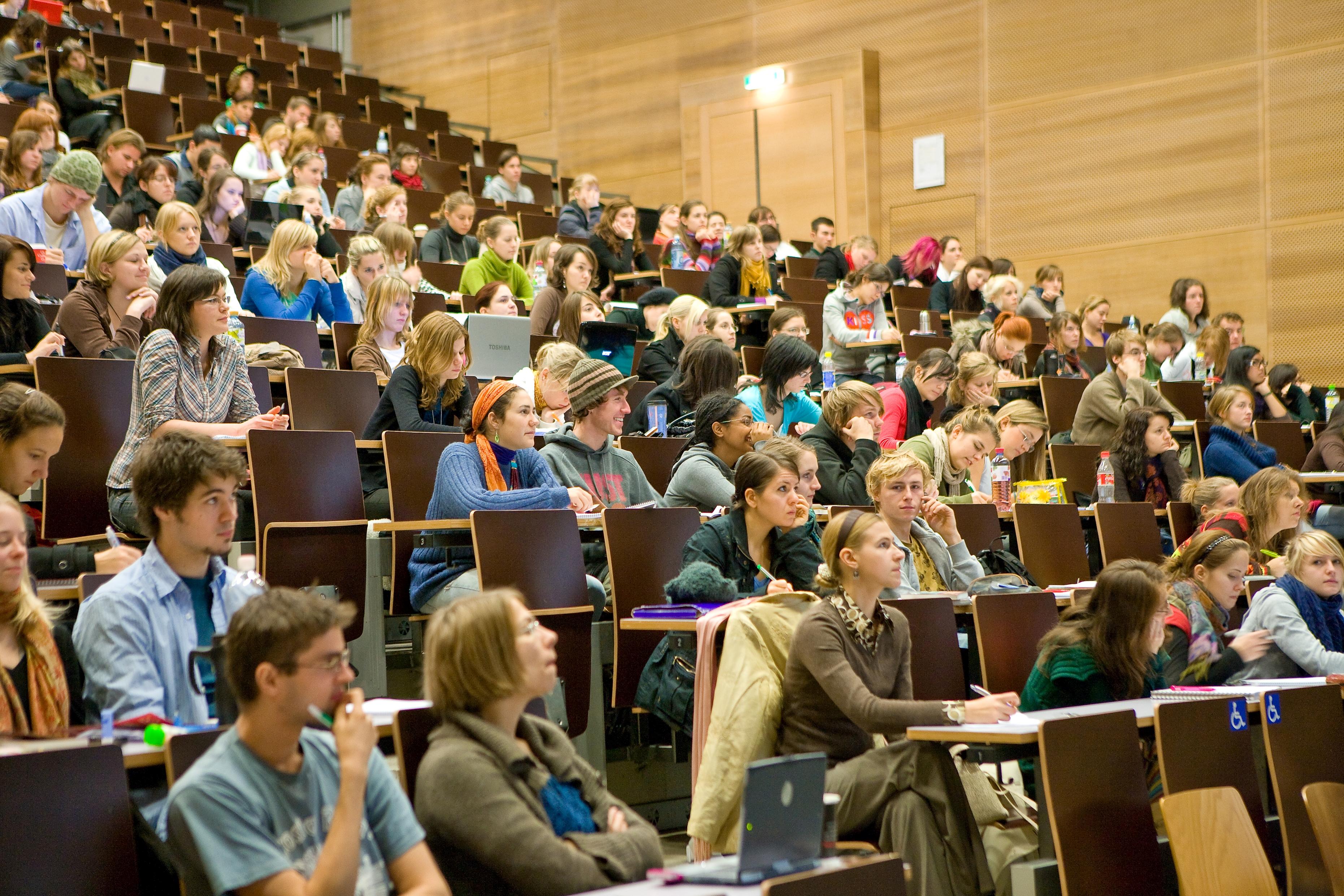 На лекции в Universität Wien