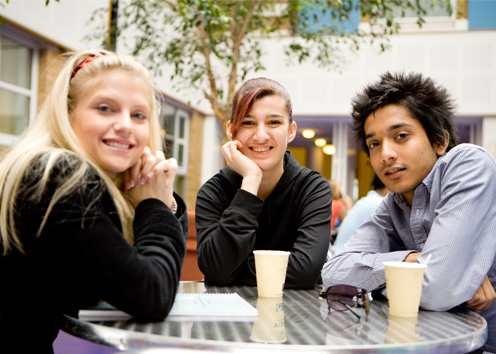 Студенты на перемене в Kaplan, Philadelphia