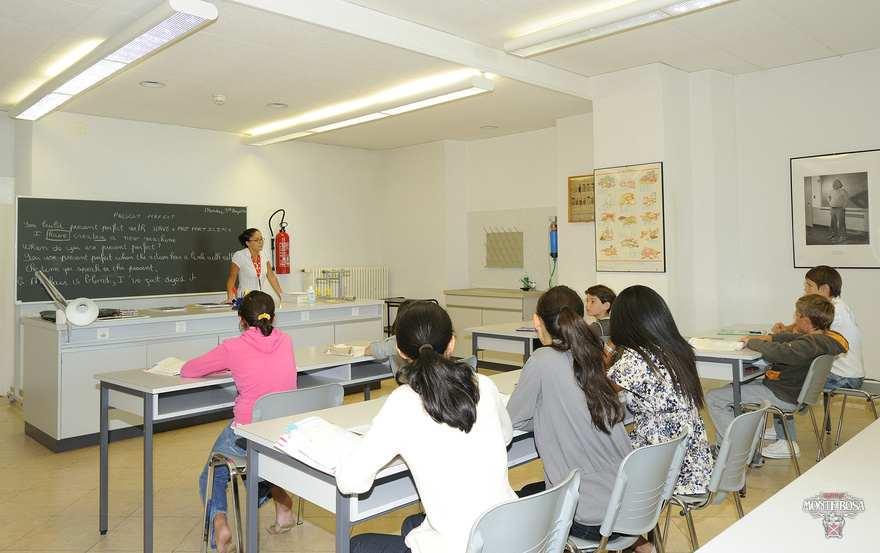 Во время урока Institut Monte Rosa, Montreux