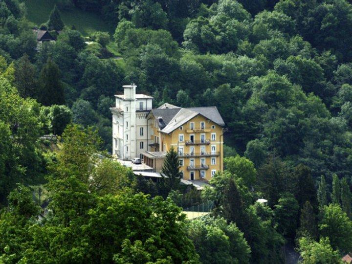 Здание школы, Surval Montreux