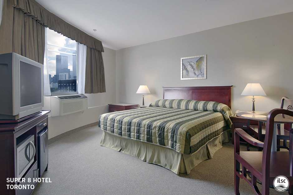 Проживание в отеле, ILSC Toronto