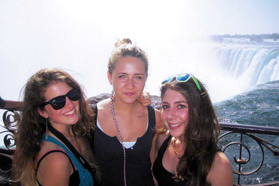 Дети на экскурсии на Ниагарский водопад ILSC, Toronto
