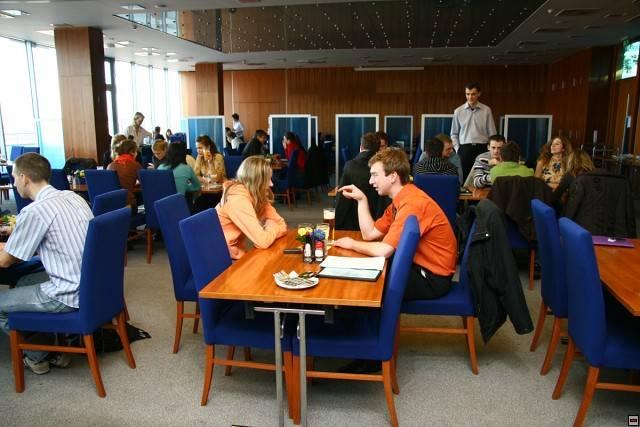 Кафетерий в Высшей школе экономики в Праге