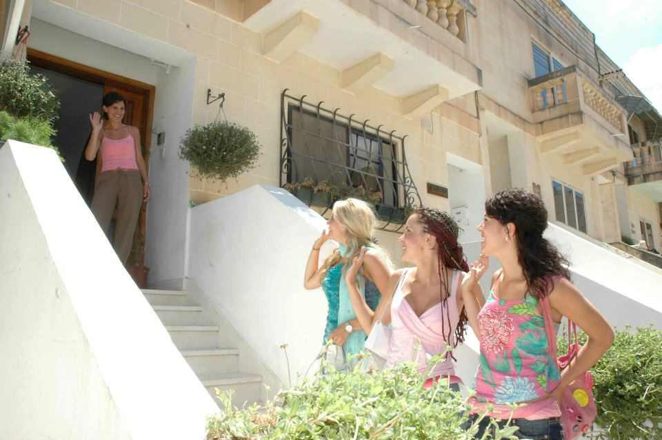 Проживание в принимающей семье Clubclass, Malta