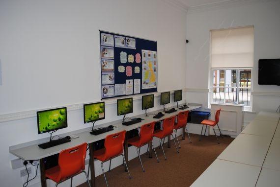 Компьютерный класс CES, Leeds
