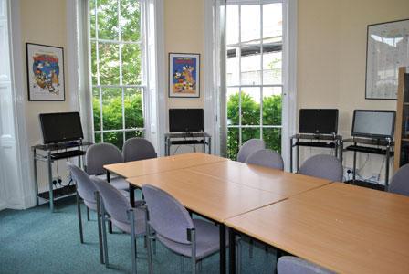 Учебный клас в школе Inlingua, Cheltenham