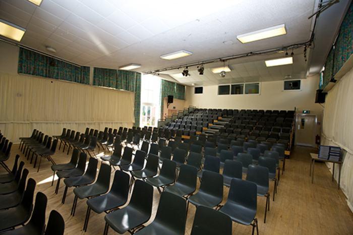 Актовый зал Kings summer, Moreton Hall