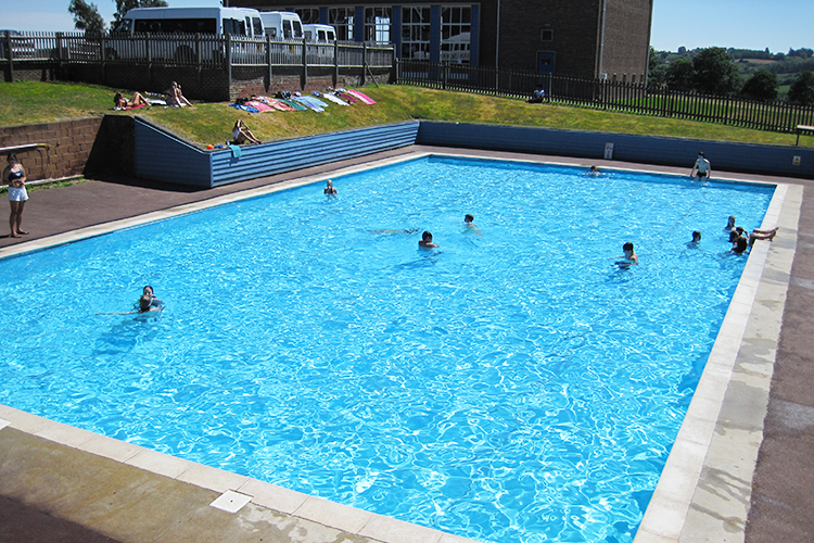 Бассейн  в Accord International Summer Schools, Bethany centre
