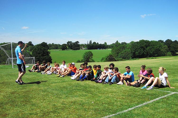 Футбольные занятия в Accord International Summer Schools, Bethany centre